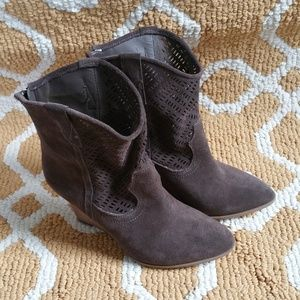 Crown Vintage Ankle Wedge Booties Brown Suede 6M
